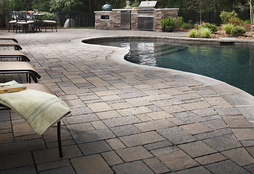 belgard pavers, Urbana pool deck