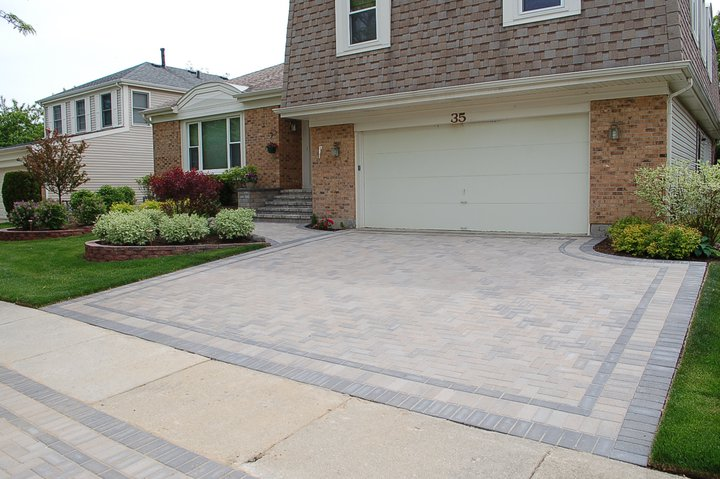 Hollandstone paver stone driveway
